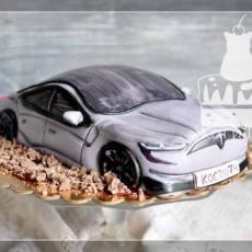 Торт с машиной Тесла