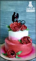 Свадебный двухъярсный торт