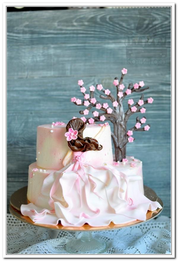 Розовый торт с девушкой и деревом