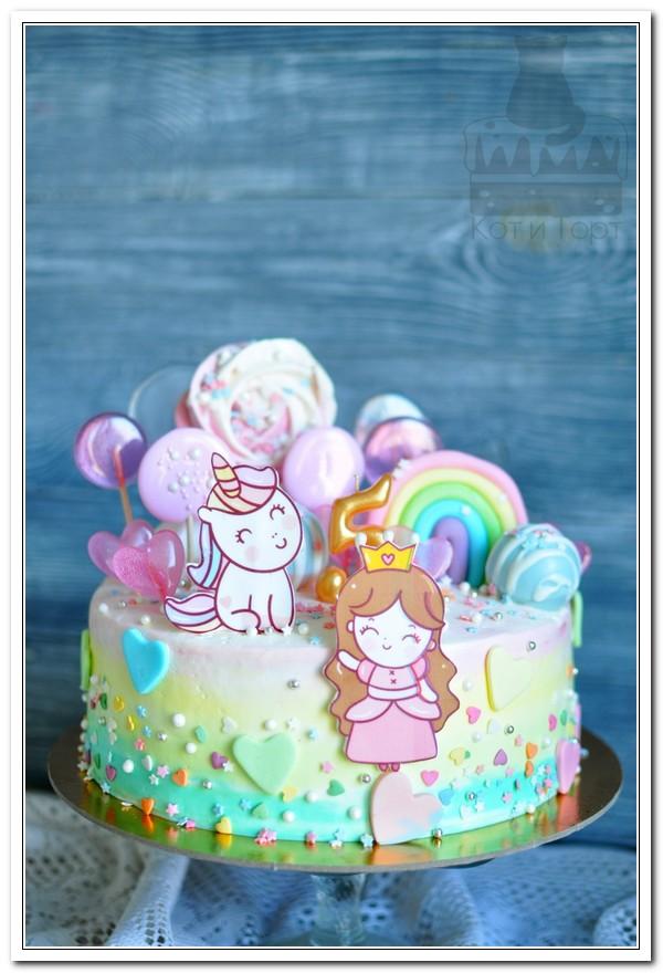 Торт с принцессой и единорогом