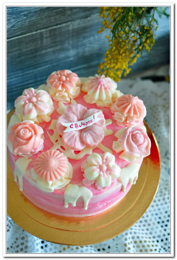 Розовый торт на 8 марта