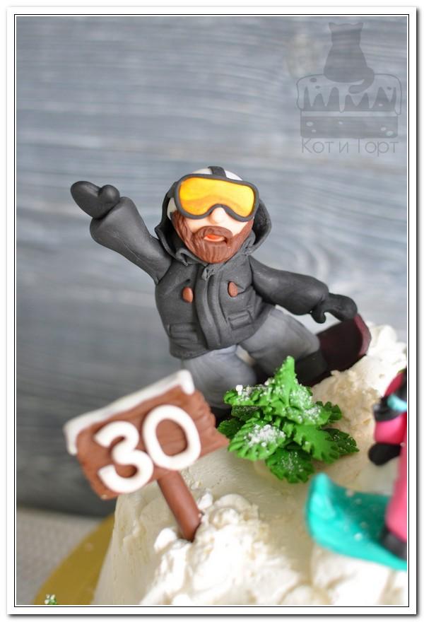 Белый торт для сноубордистов
