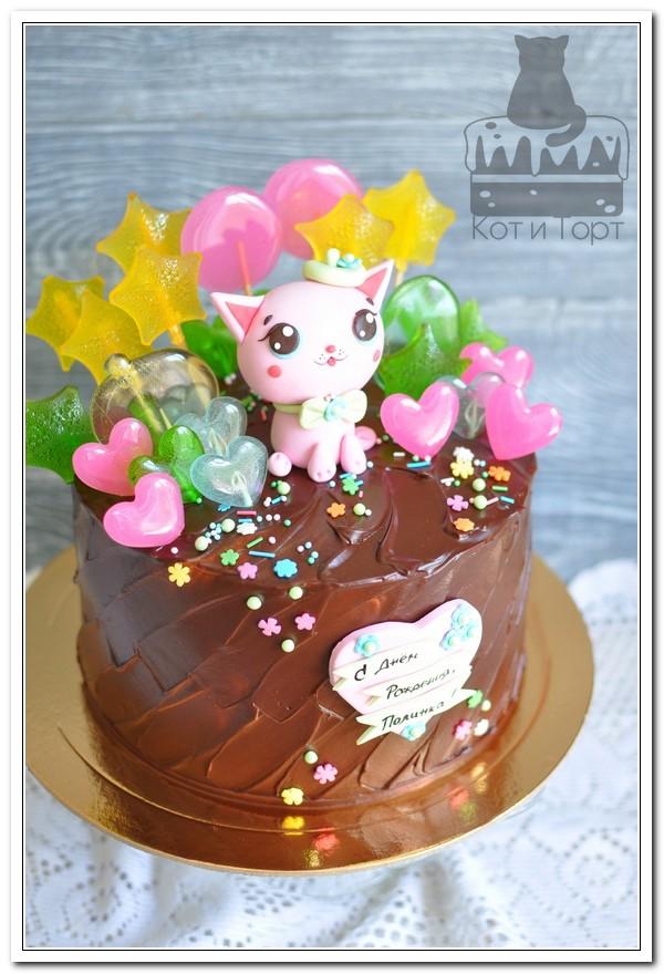 Торт с кисочкой, звёздами и сердечками