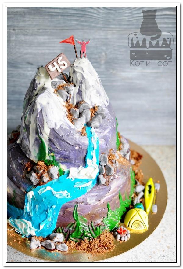 Торт с горой для альпиниста